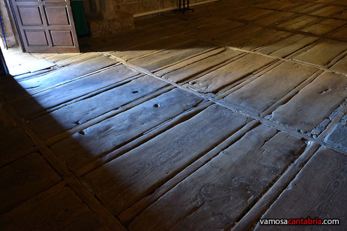 Tumbas en el suelo de la iglesia