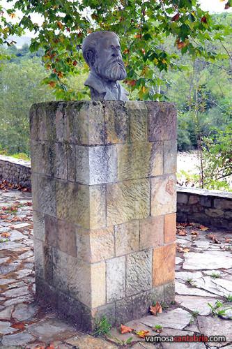 Busto de Augusto González Linares