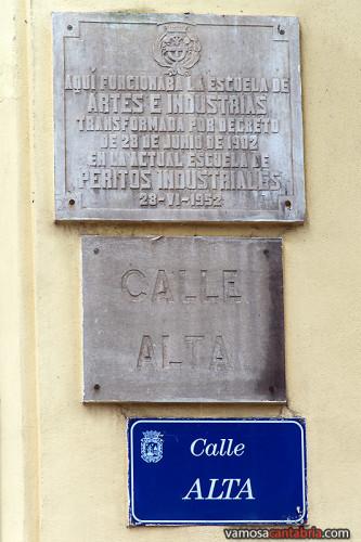 Placa de la Escuela de Artes e Industrias
