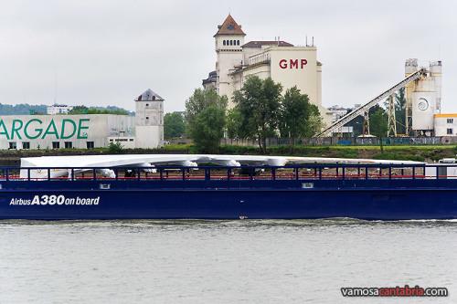 Barcaza con ala II