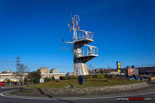 Rotonda con puente de mando