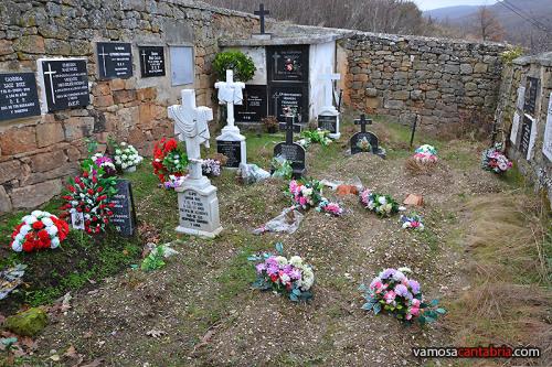 Lápidas en los muros