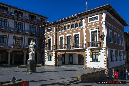 Estatua de Elcano en Guetaria I
