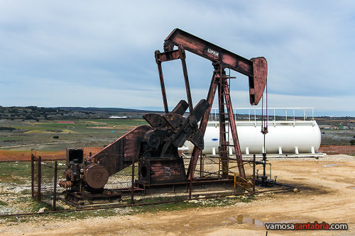 Maquina extractora de petroleo I