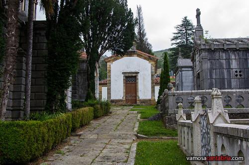 Casa en el interior del cementerio