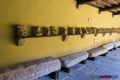 Piedras y figuras talladas