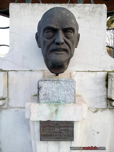 Busto de Ramón Sáez de Adana