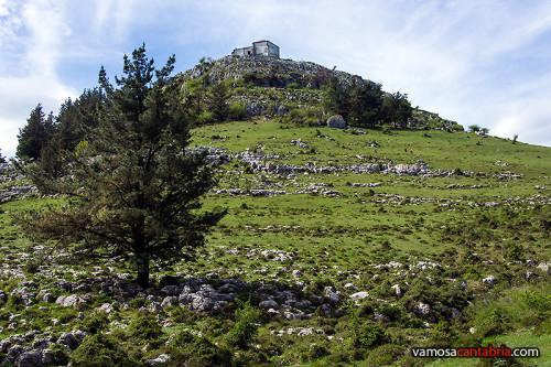 Ermita de las Nieves en lo alto