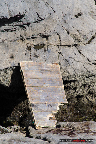 Tabla para cruzar el acantilado