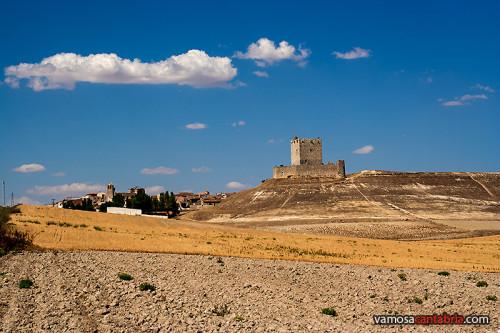 Tierra castellana y castillo