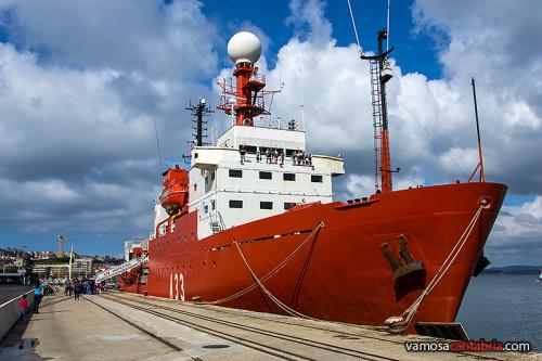 Barco Hespérides en el muelle de Santander
