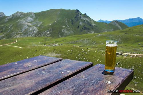Cerveza en el Refugio de Aliva