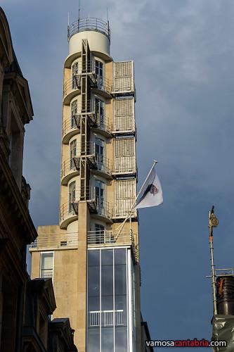 Torre extraña en Burdeos II