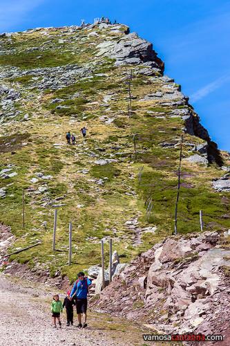 Niños en el Pico Tres Mares