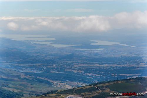 Embalse del Ebro a lo lejos