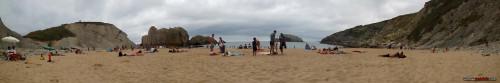 Playa de la Arnía con cielo revuelto