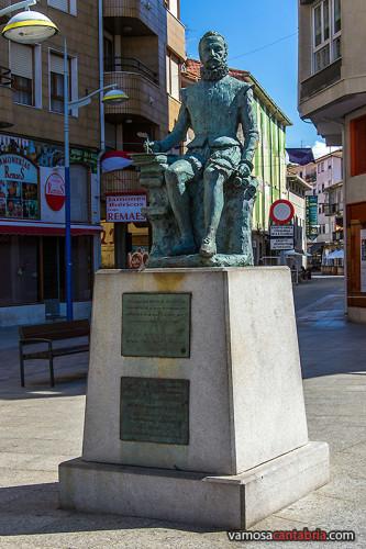 Estatua de Cervantes en Torrelavega I
