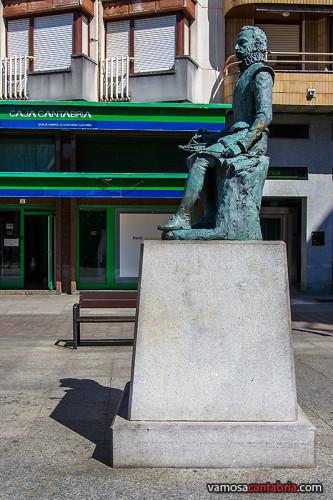 Estatua de Cervantes en Torrelavega II