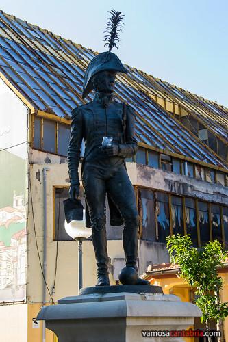 Estatua de Diego del Barco tuneada I