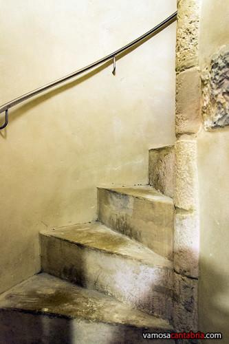 Escaleras de caracol hacia el campanario