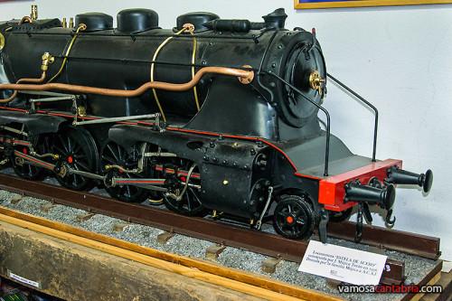 Maqueta de máquina de tren