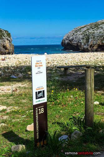Cartel en la Playa de las Cuevas del Mar