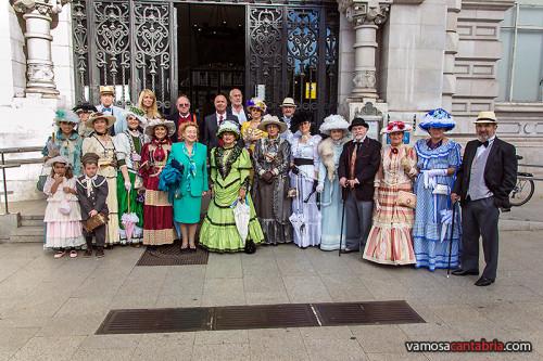 Vestidas de época en el Ayuntamiento