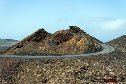 Carretera entre los volcanes