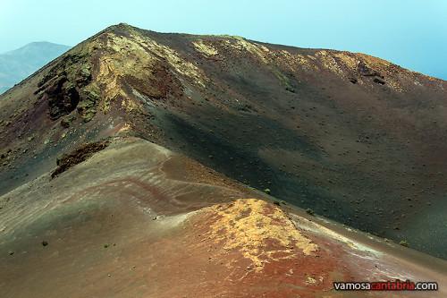 Restos de azufre en el volcán