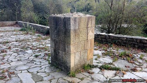 Pedestal sin busto I