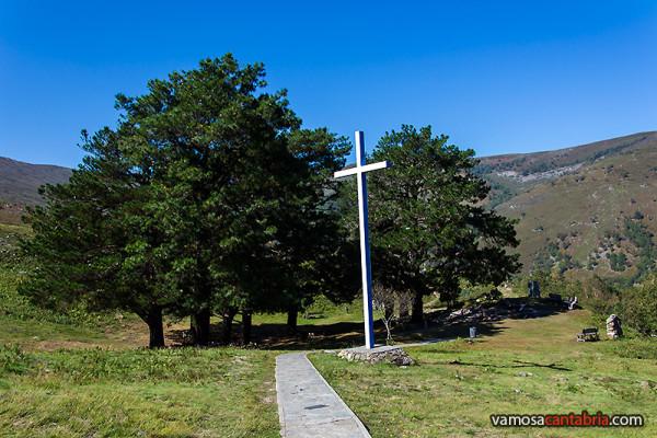 Cruz en Los Pinos